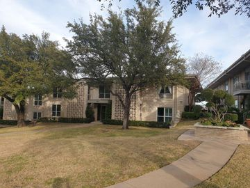 2303 Ridgmar Plaza #25, Fort Worth, TX, 76116,