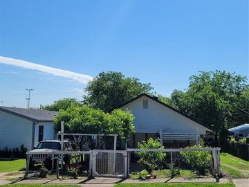 2608 Ross Avenue, Fort Worth, TX, 76164,