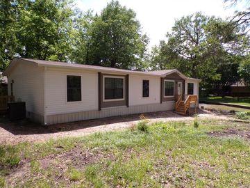 105 Lakewood Drive, Mabank, TX, 75156,