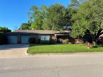 7433 Hovenkamp Avenue, Richland Hills, TX, 76118,