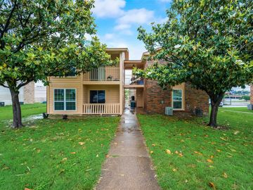 8028 Cambridge Circle, White Settlement, TX, 76108,