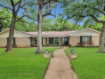 5705 Azteca Drive, Fort Worth, TX, 76112,
