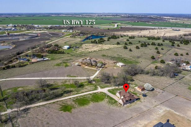 1282 County Road 4106