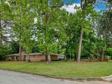 7104 Robinhood Lane, Fort Worth, TX, 76112,