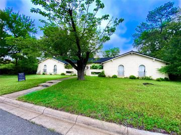 2209 Muse, Fort Worth, TX, 76112,