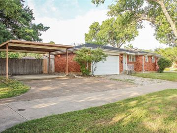 6800 Meadowbrook Drive, Fort Worth, TX, 76112,