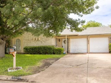 5604 Pinson Street, Fort Worth, TX, 76119,