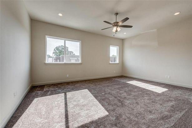 404-406 Templeton Drive