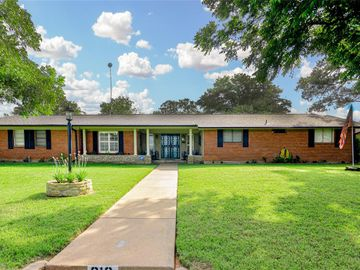 812 Lakeview Drive, Mineral Wells, TX, 76067,