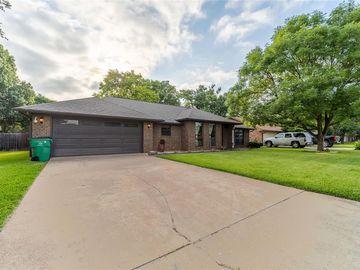 1307 Prairie Wind Boulevard, Stephenville, TX, 76401,