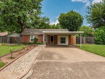 5512 Gilbow Avenue, River Oaks, TX, 76114,