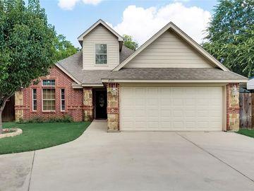 610 Harrisdale Avenue, River Oaks, TX, 76114,