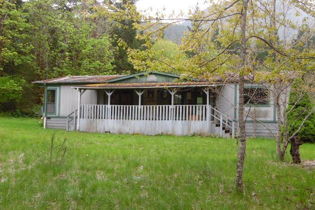 137 Johnson Creek Rd