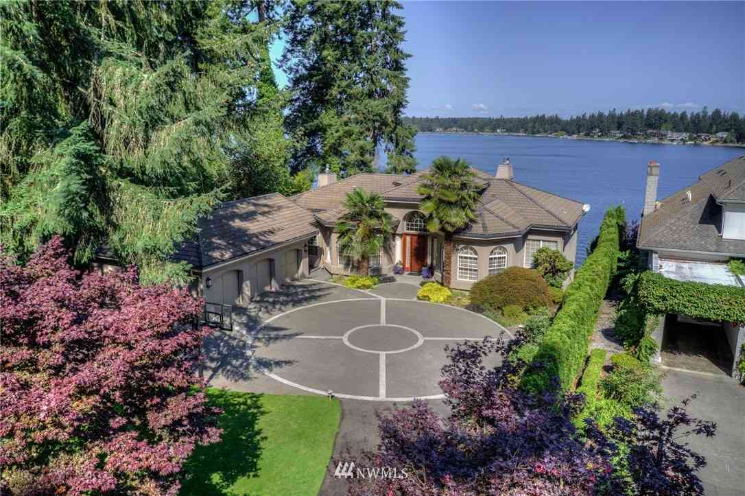 108 Country Club Circle SW, Lakewood, WA, 98498,