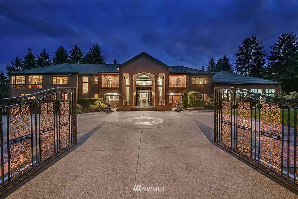 Undisclosed Address, Bellevue, WA, 98005,