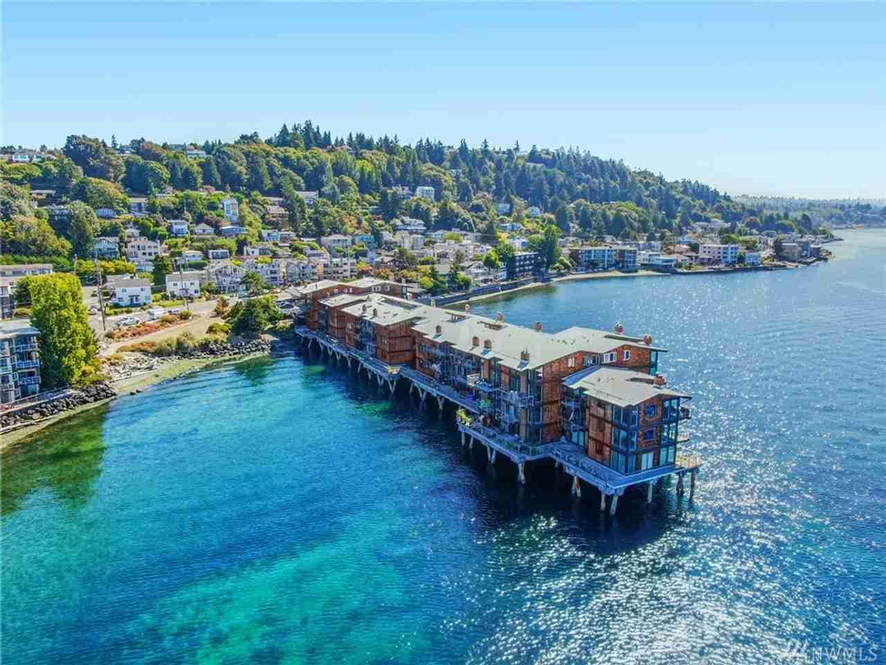 3717 Beach Drive SW #210 Seattle, WA, 98116