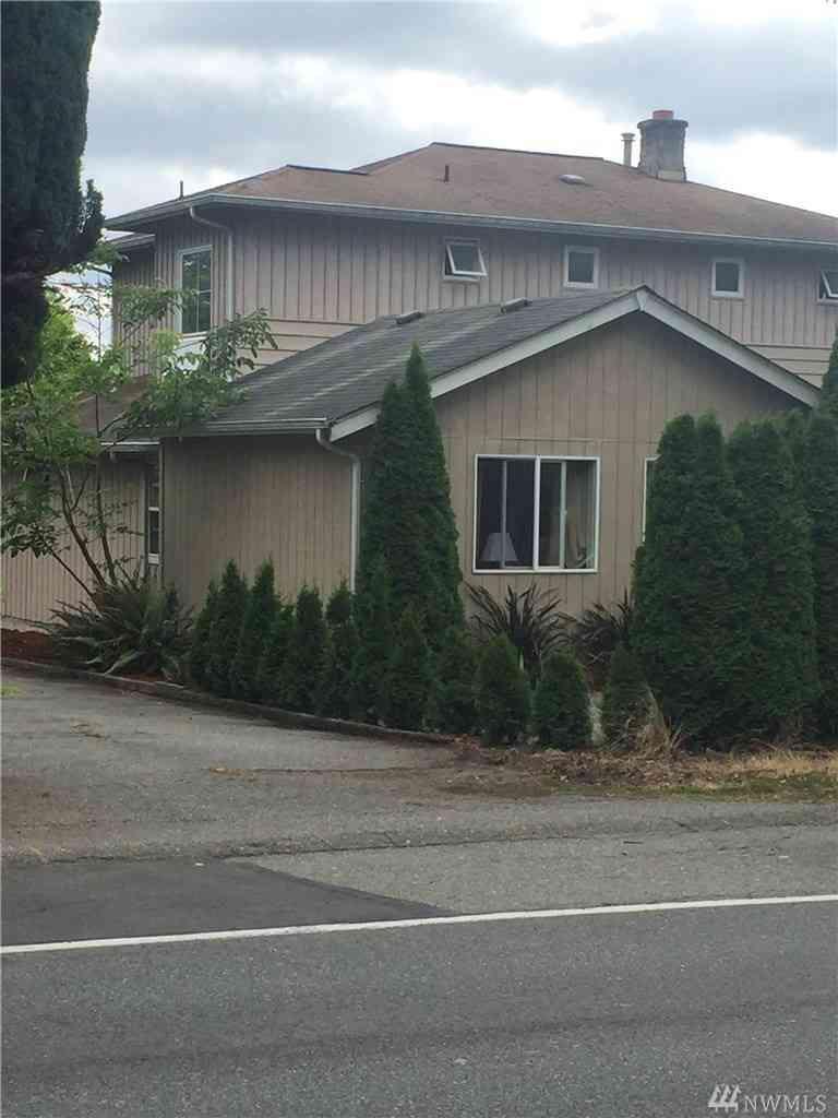 Undisclosed Address, Seattle, WA, 98125,