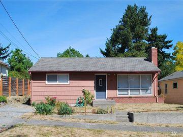 922 N 88th St, Seattle, WA, 98103,
