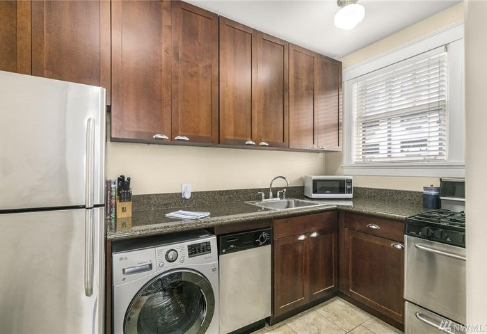2132 5th Ave #105