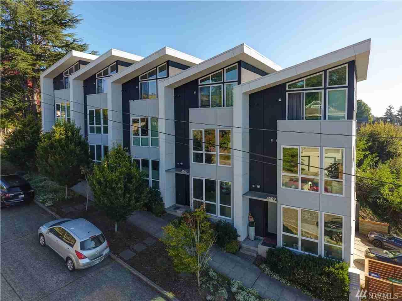 4507 SW Oregon St Seattle, WA, 98116
