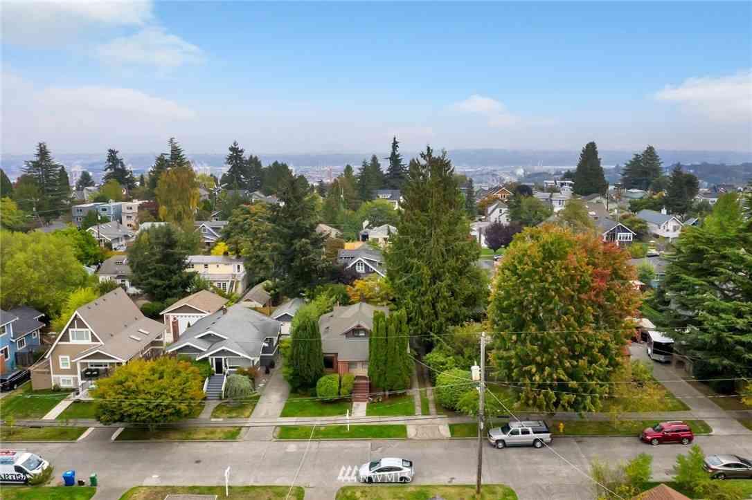 3230 40th Avenue SW, Seattle, WA, 98116,
