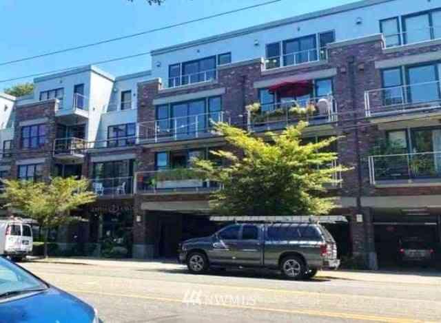 2920 EASTLAKE Avenue E #303, Seattle, WA, 98102,