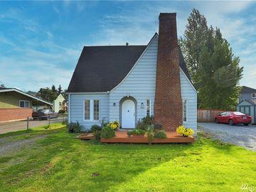 1902 W Pioneer Ave, Puyallup, WA, 98371,
