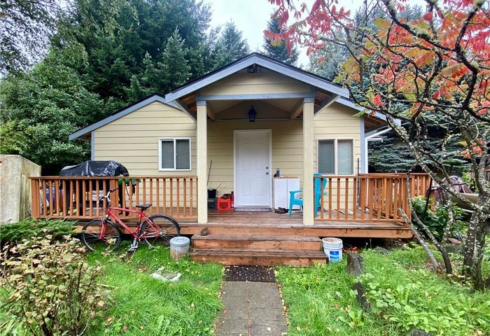 10233 28th Ave SW