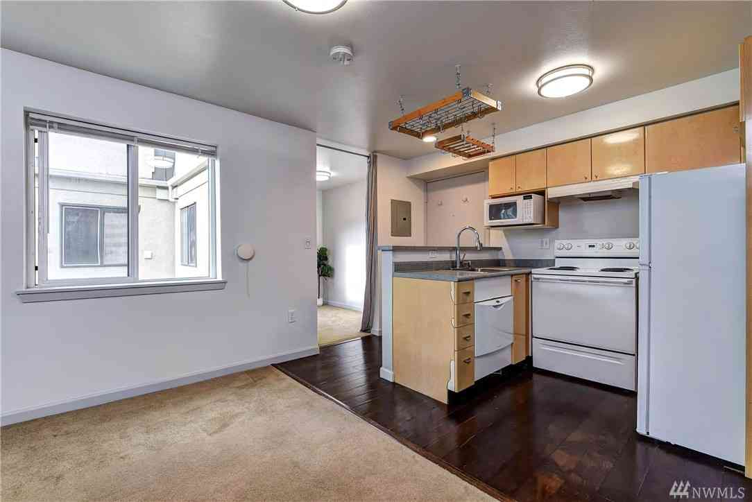 425 Vine St #618, Seattle, WA, 98121,