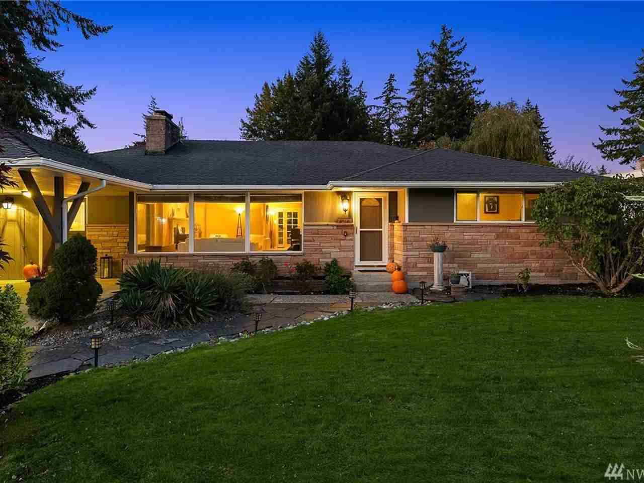 8427 Holly Lane Edmonds, WA, 98026