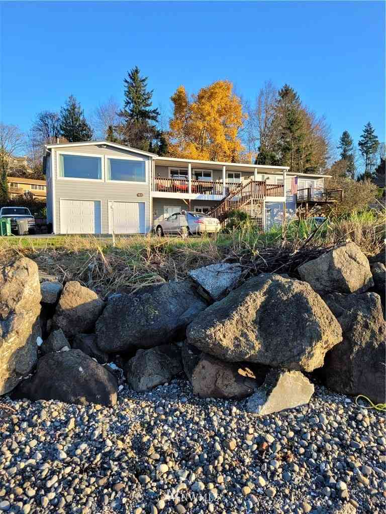 4675 Beach Drive E, Port Orchard, WA, 98366,