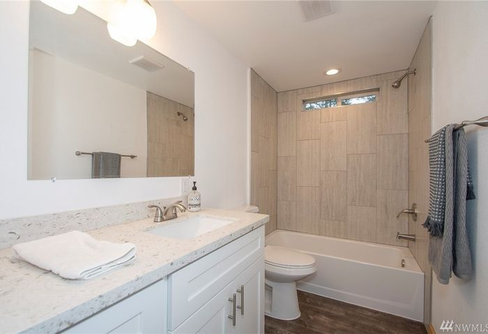 17509 121st St. NW