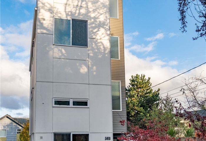3410 22nd Ave W