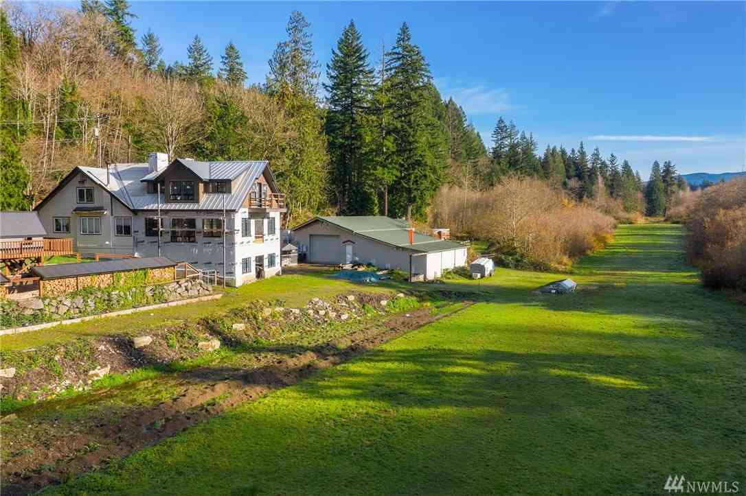28015 SE High Point Wy, Issaquah, WA, 98027,