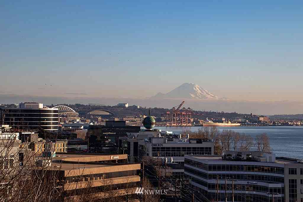 521 5th Avenue W #502, Seattle, WA, 98119,