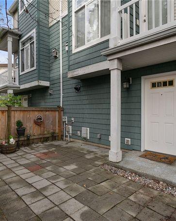 6113 14th Ave NW #A Seattle, WA, 98107