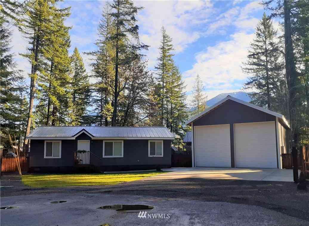 138 Sherwood Lane, Packwood, WA, 98361,