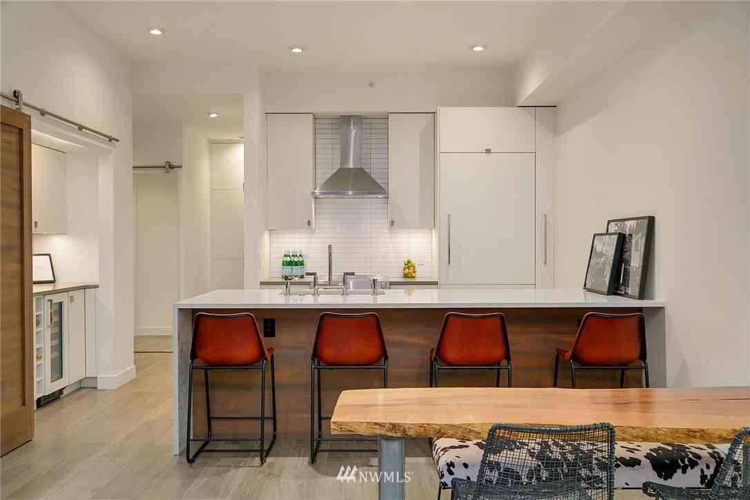 2030 Western Avenue #312, Seattle, WA, 98121,
