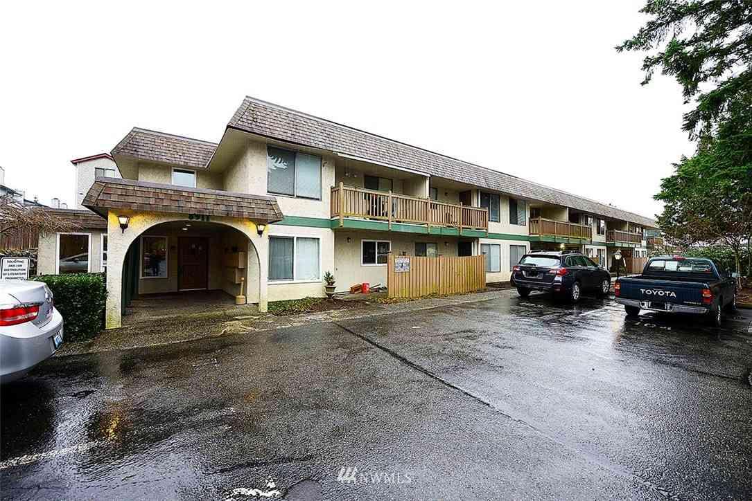 8911 Holly Drive #103, Everett, WA, 98208,