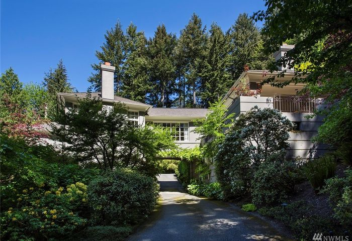 14 Olympic Dr NW