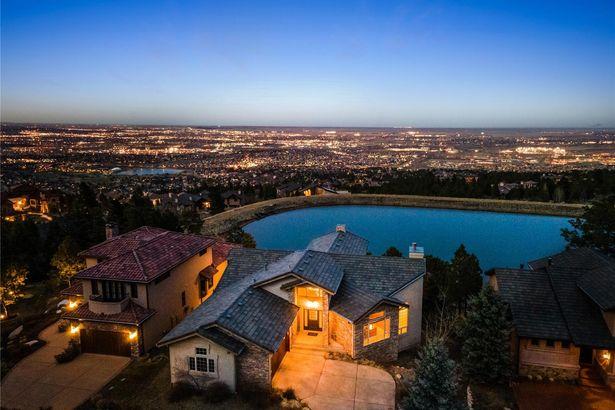 1085 High Lake View