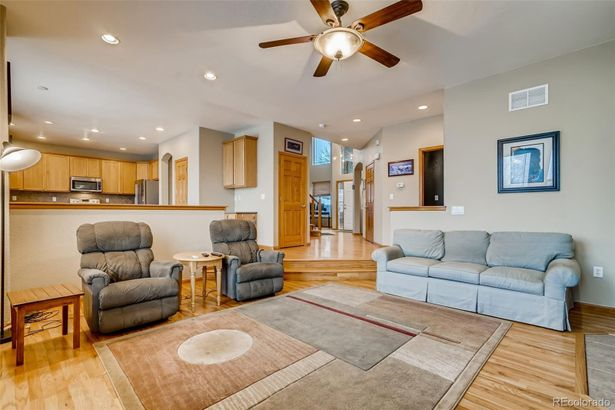 7881 W 94th Place