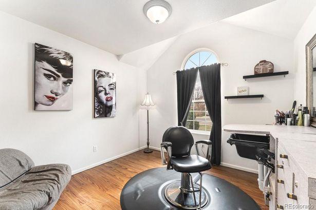 225 N 50th Avenue