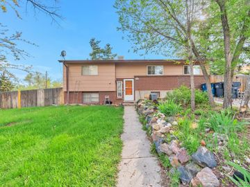 809 S Routt Court, Lakewood, CO, 80226,
