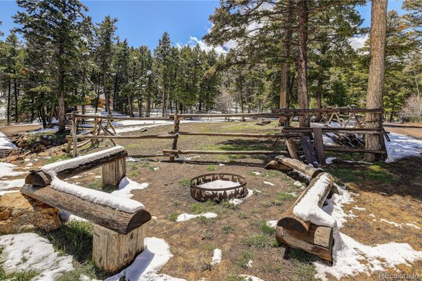 13474 Pioneer Trail