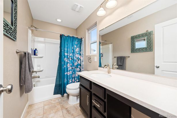 2344 W 164th Place