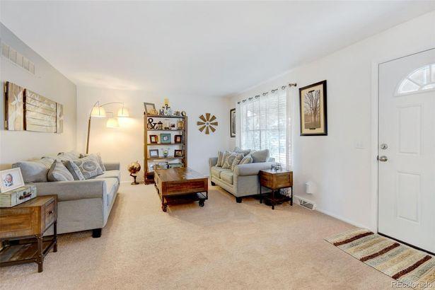 10609 W Saratoga Place