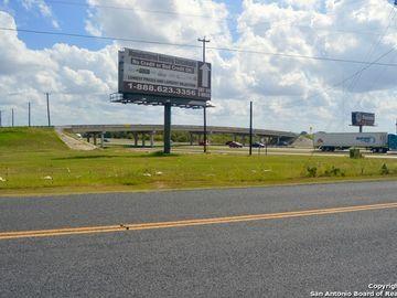 17519 Interstate 35, Atascosa, TX, 78002,