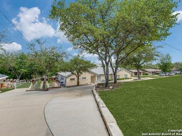 9810 Scenic Hills Dr, San Antonio, TX, 78255,