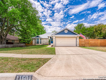 11601 FOREST HOLLOW, Live Oak, TX, 78233,